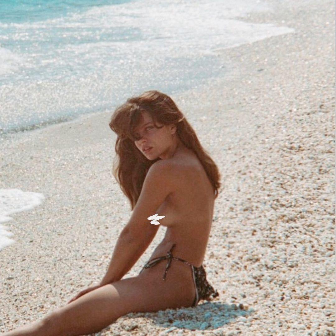 Теописти Пурлиотопулу на пляже