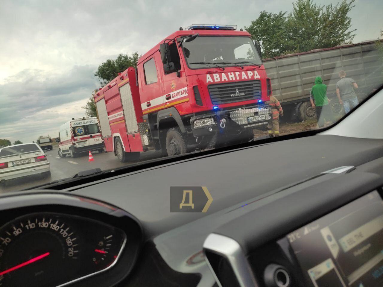 Под Одессой в ДТП столкнулись 4 авто