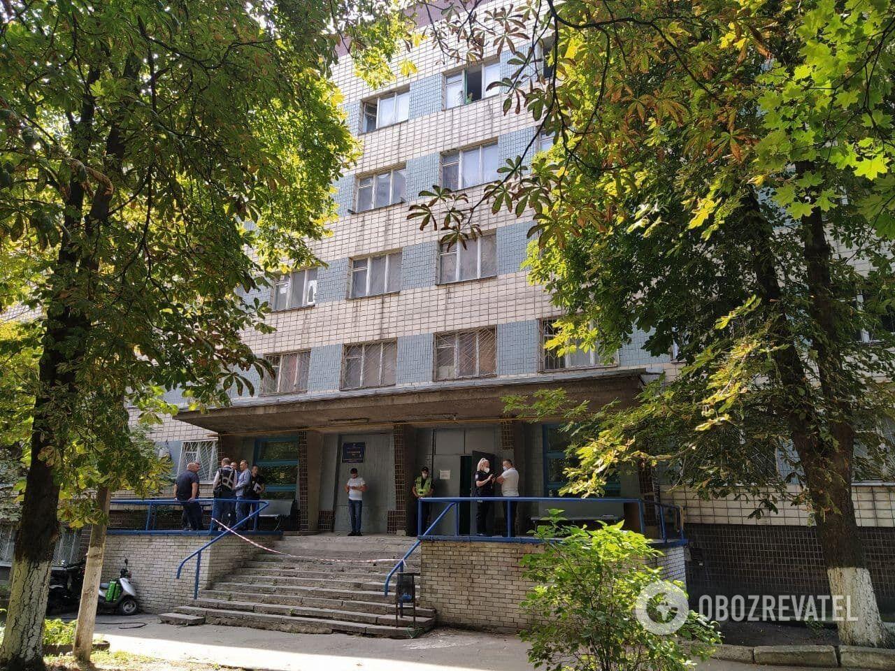 Общежитие, в котором жил полицейский.