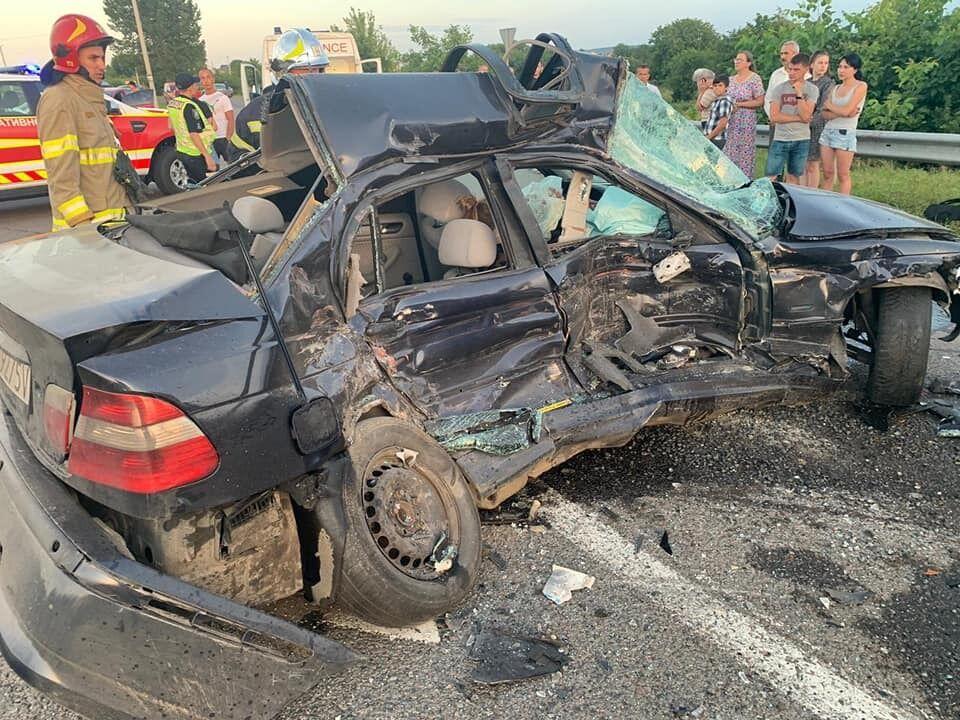 Пошкоджене авто BMW