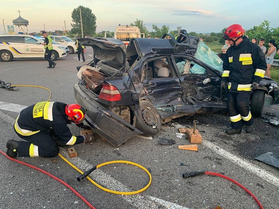 BMW зіткнулося з вантажним авто Scania