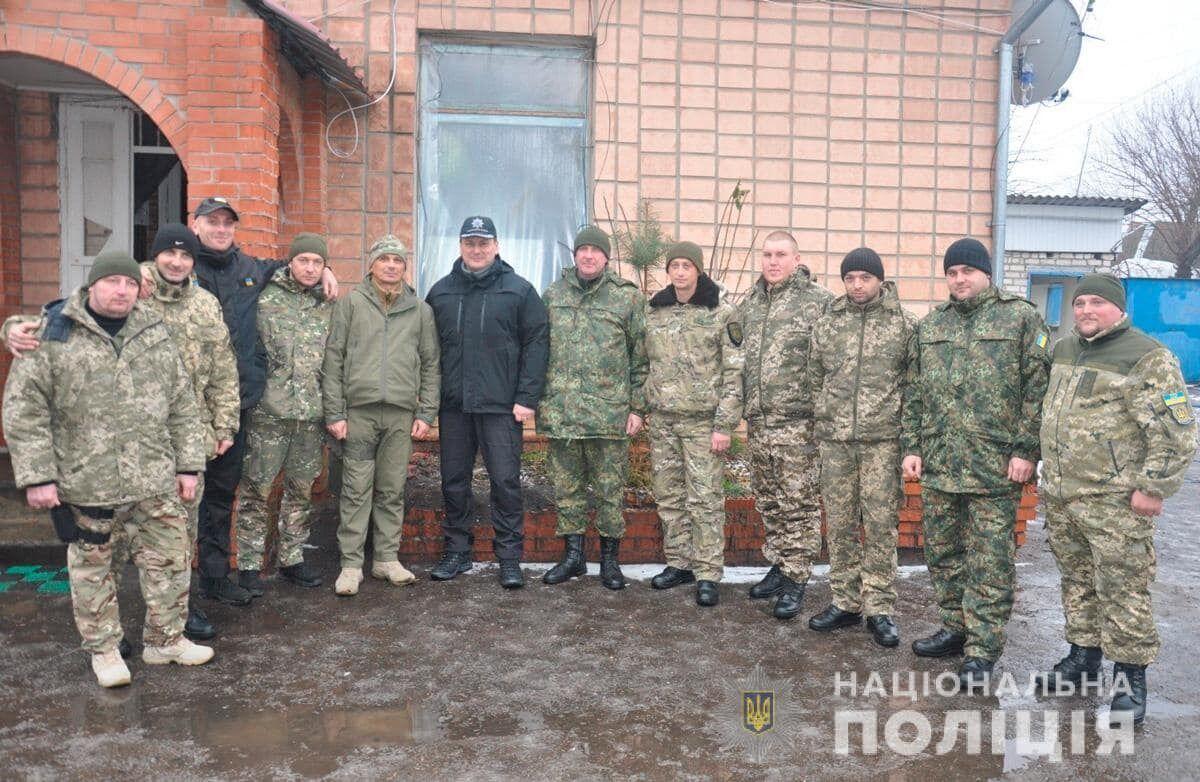 Экс-начальник полиции Черновицкой области с военными