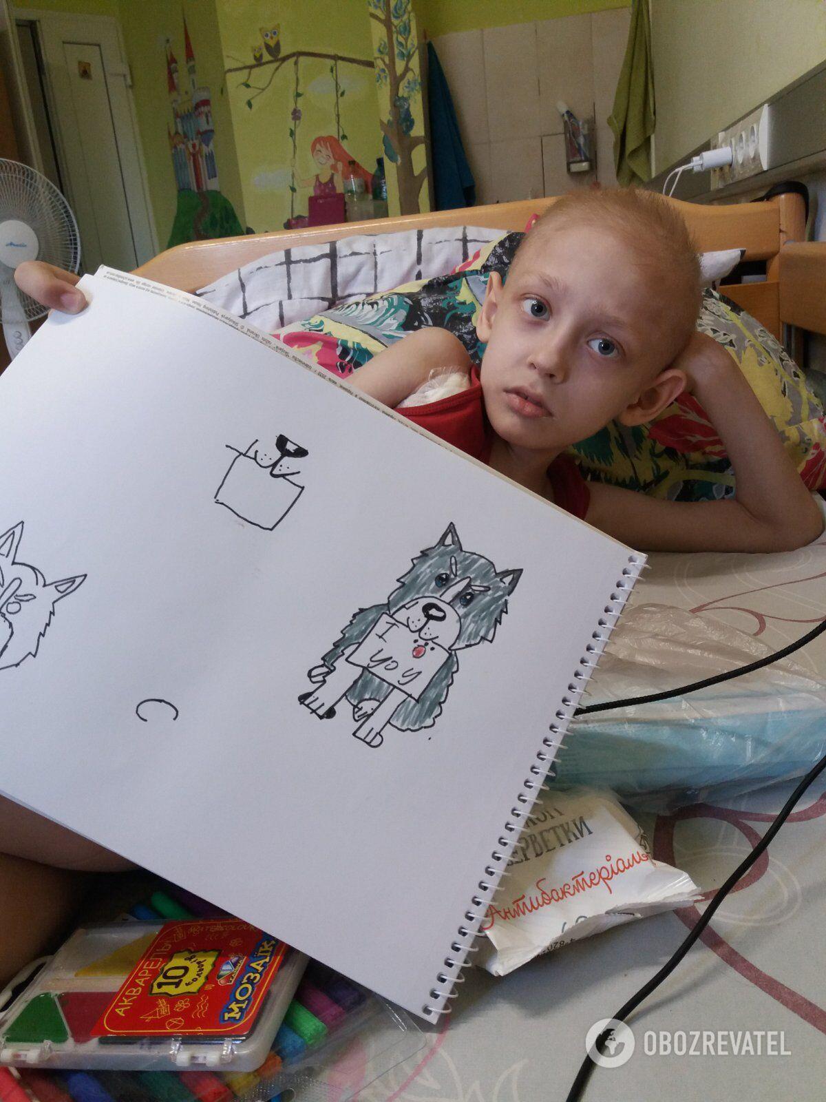 Мальчик любит рисовать и мечтает стать архитектором