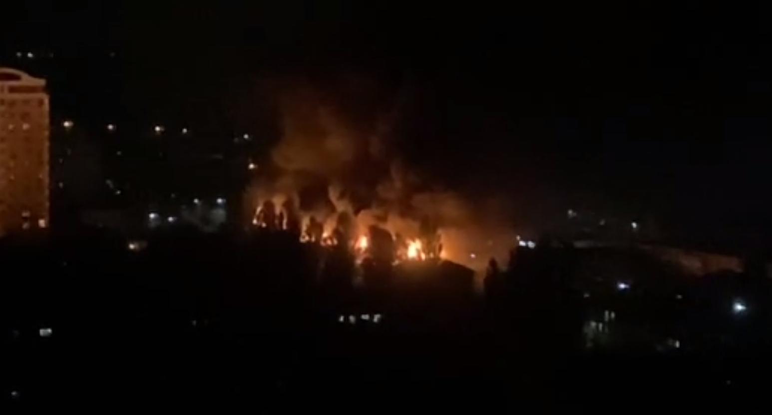 Масштабный пожар в многоэтажке в Броварах.