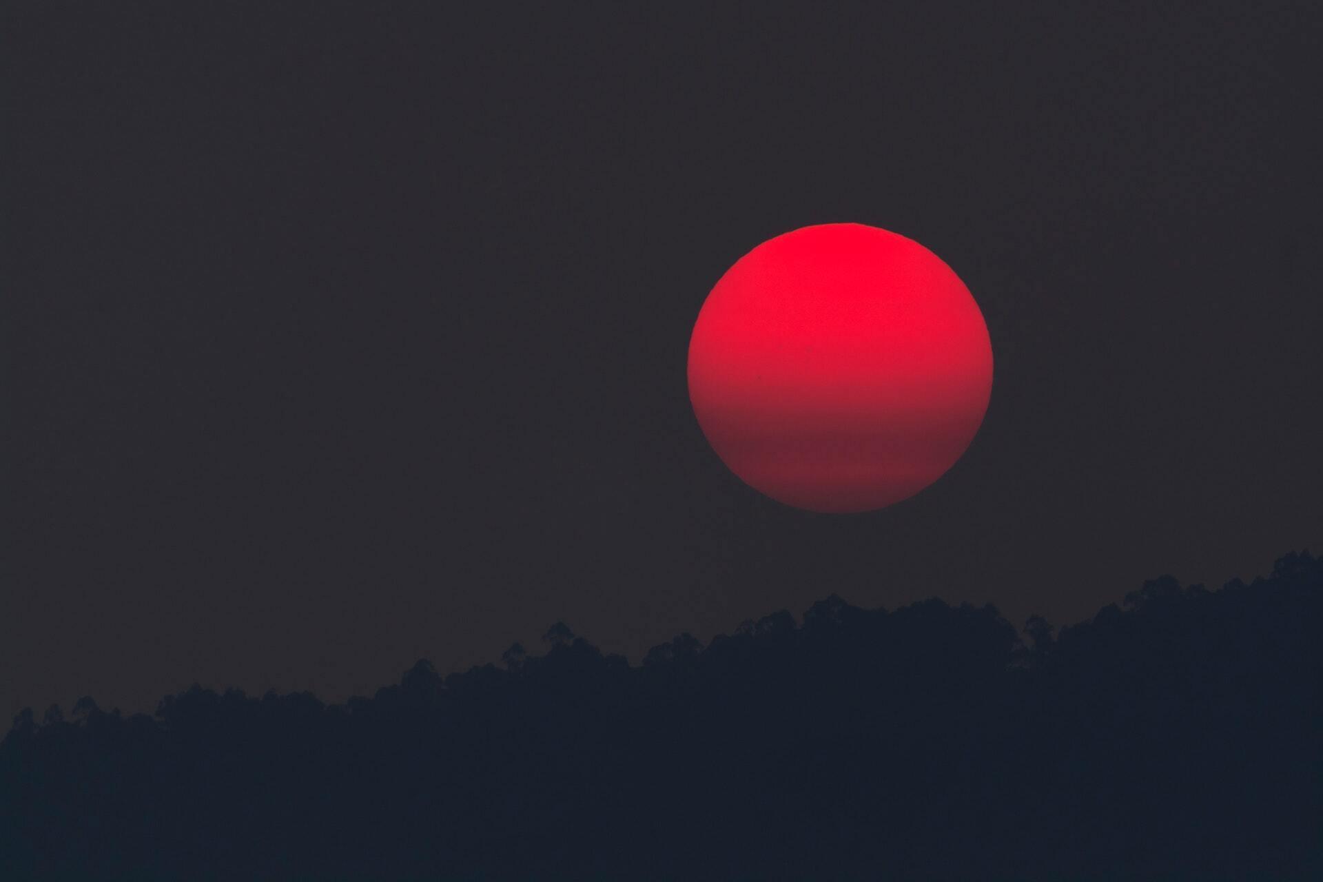 Повний місяць проходить у знаку Водолія другий місяць поспіль