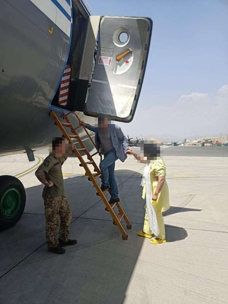 Український військово-транспортний літак Іл-76МД вилетів з Кабула