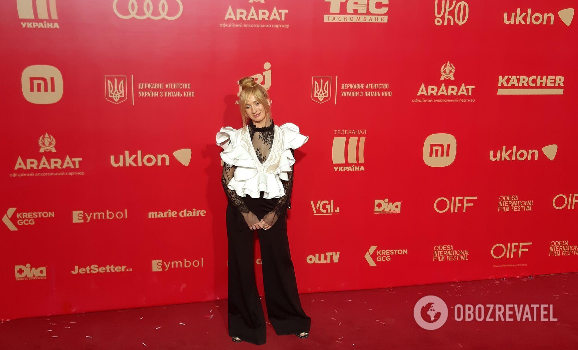 Найкращі вбрання знаменитостей на червоній доріжці кінофестивалю