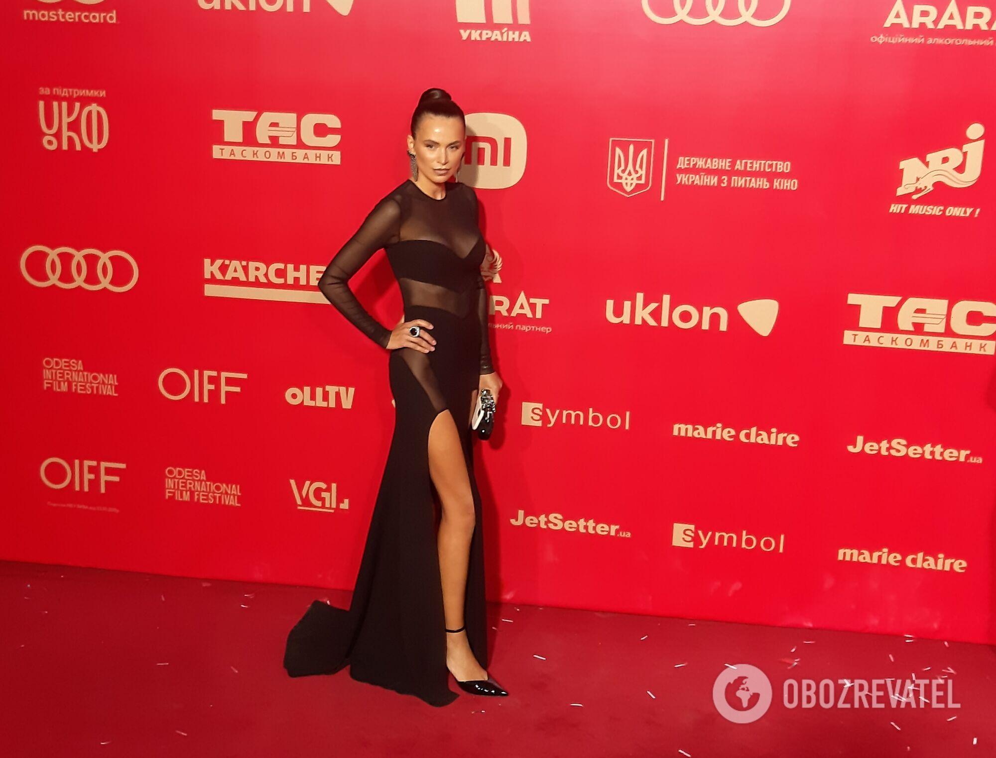 Найкращі вбрання знаменитостей на червоній доріжці ОМКФ