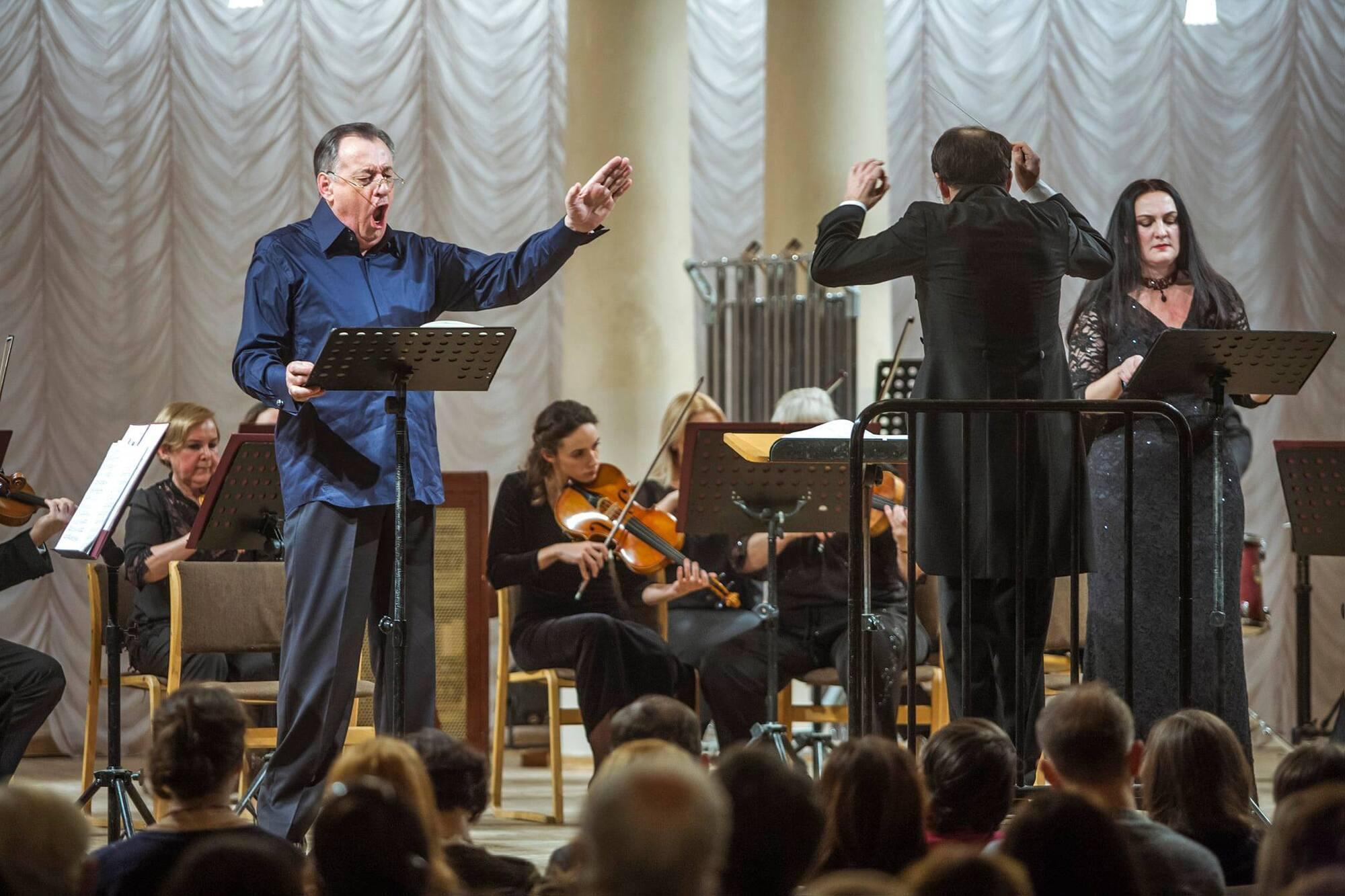Легендарный Анатолий Кочерга выступает как на топ-площадках мира, так и в Национальной филармонии Украины.