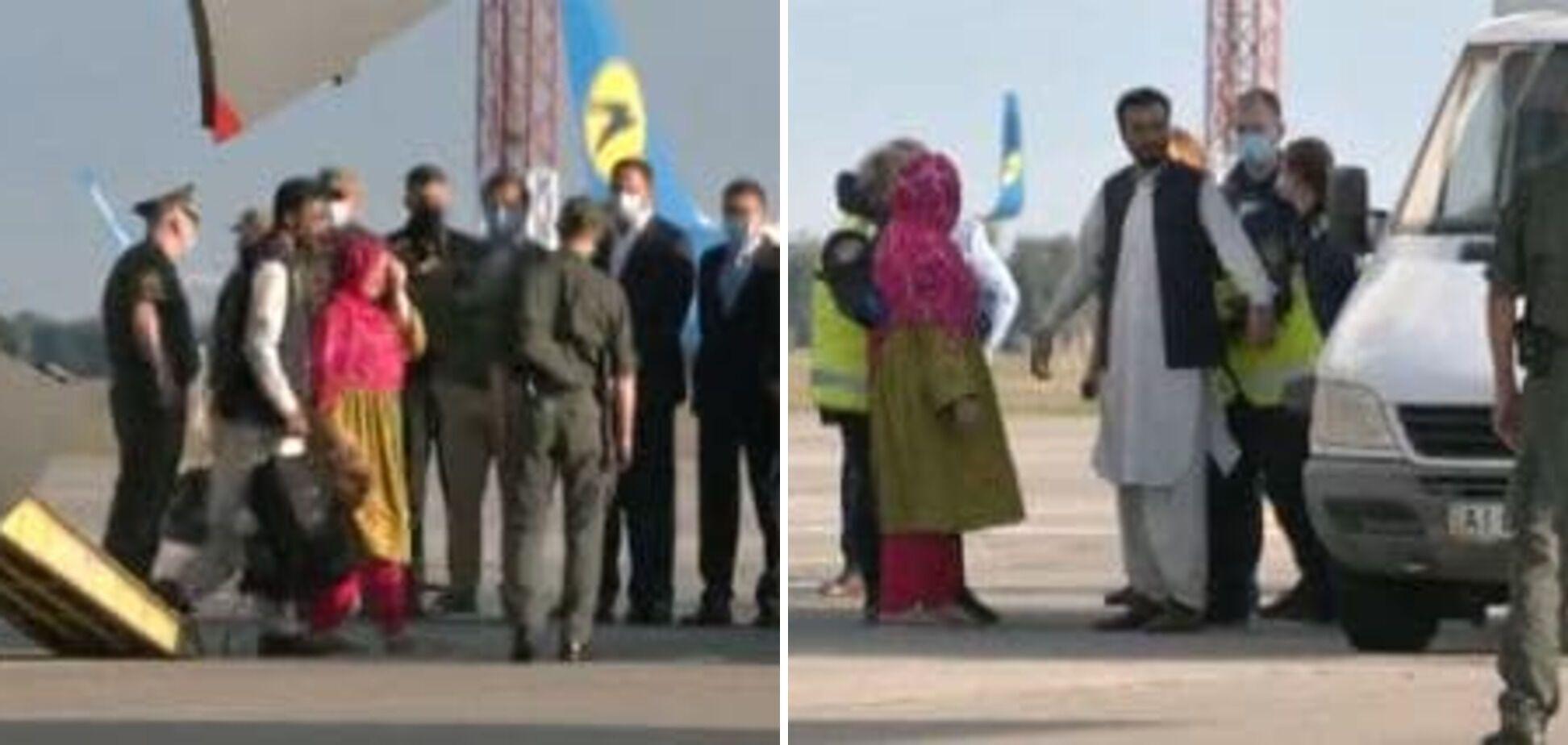 З українцями прибули й іноземці.