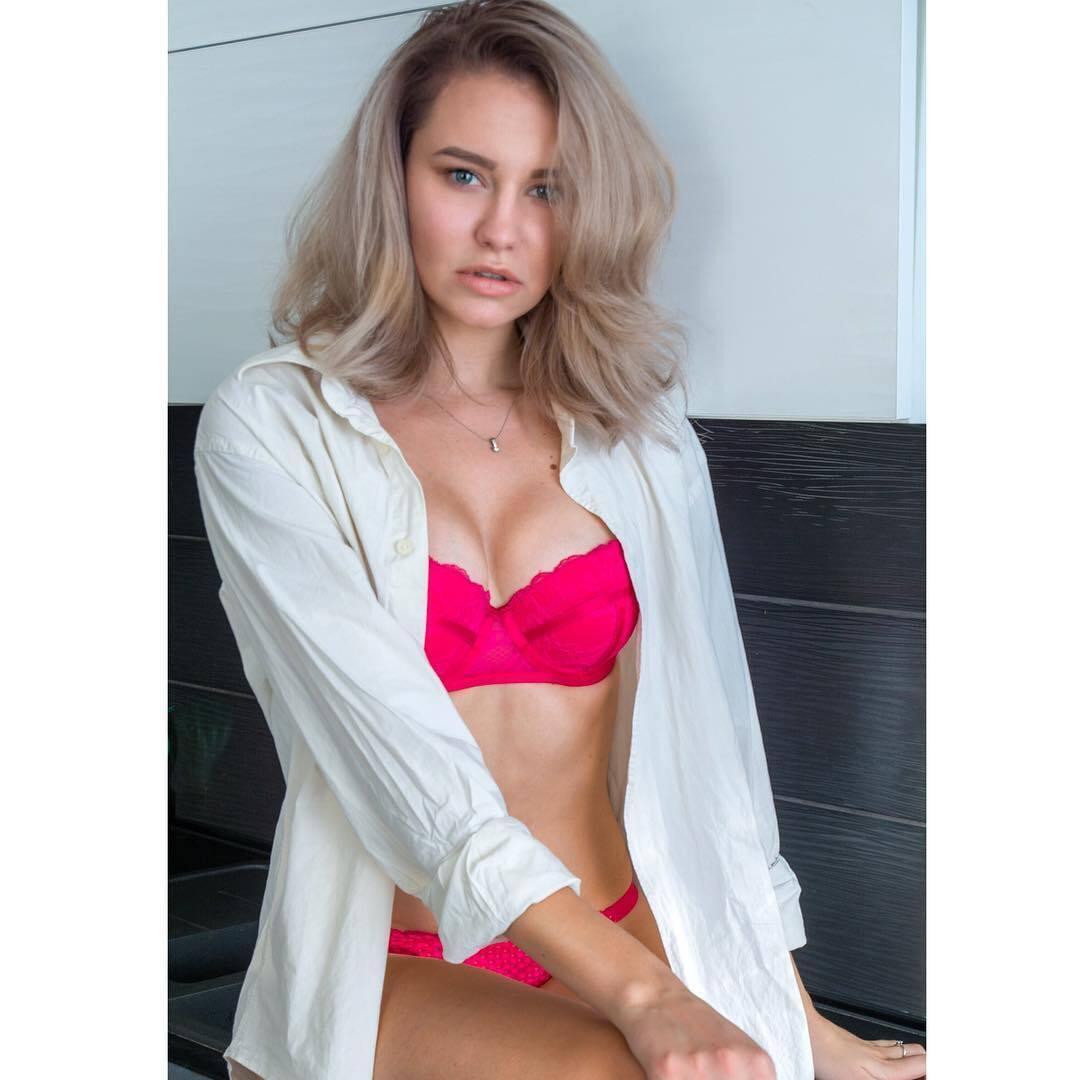 Лиза Любчич в откровенной фотосесии