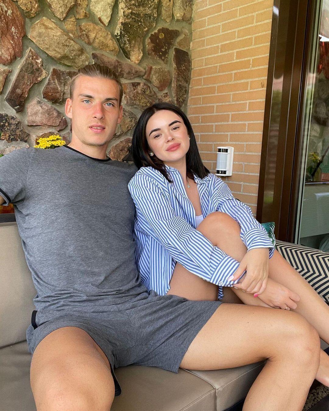 Лунін і Томазова