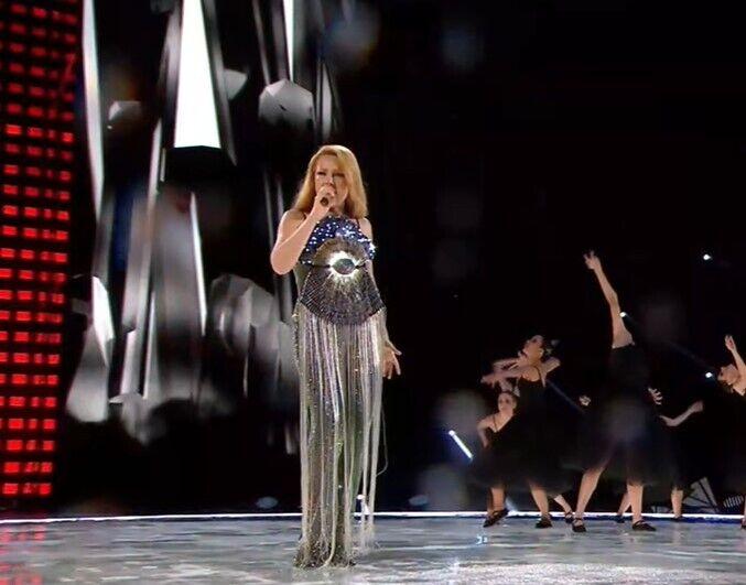Тіна Кароль на концерті.
