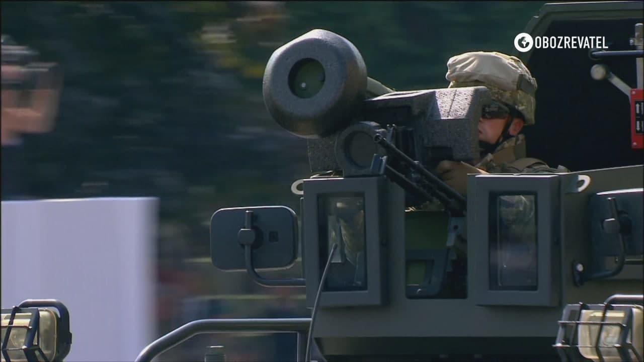Військова техніка.