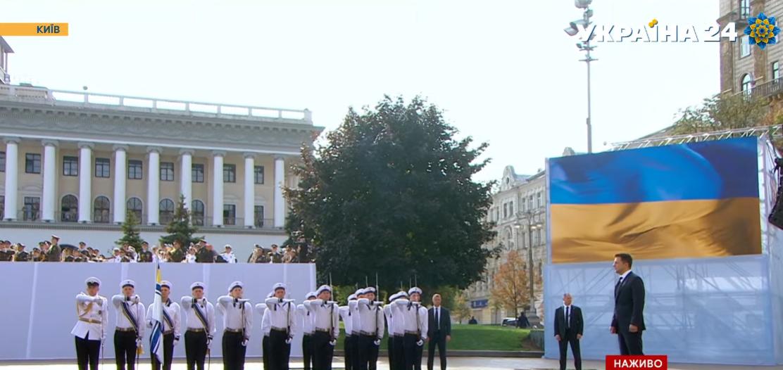 Зеленський прибув на Майдан Незалежності.
