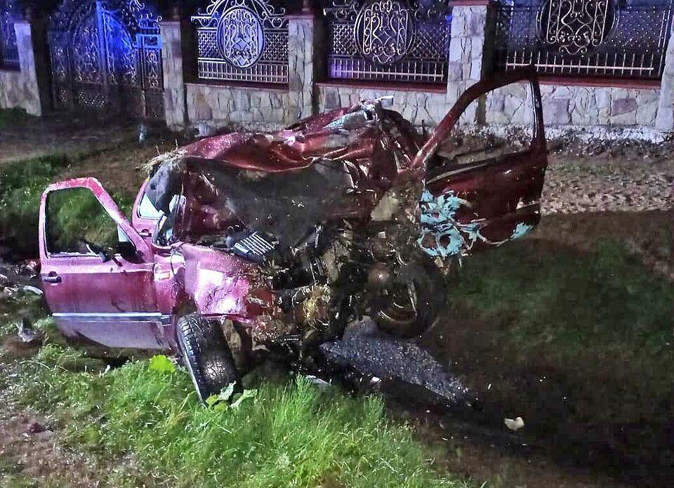 Разбитый после аварии автомобиль