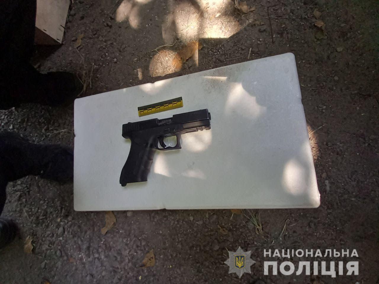 Злоумышленник стрелял из пистолета