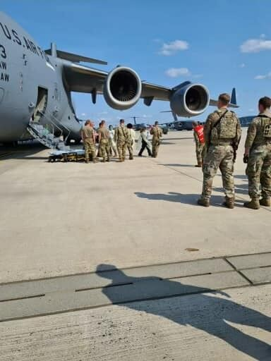 Эвакуация на самолете C-17 ВВС США, позывной Reach 828