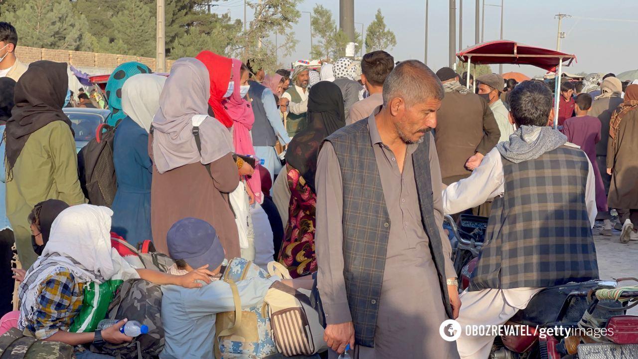 Люди на улицах Кабула