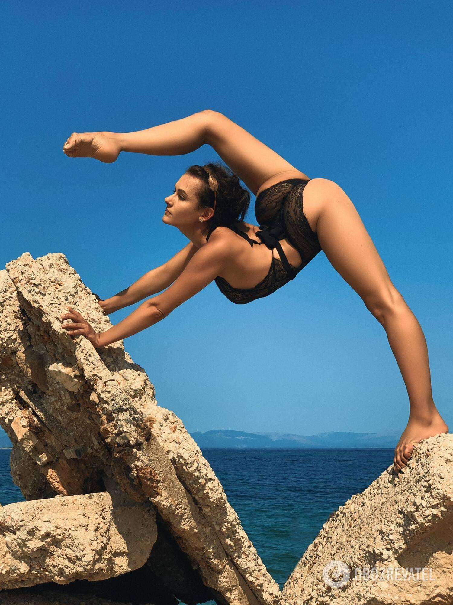 Гімнастка Васіна на відпочинку в Греції.