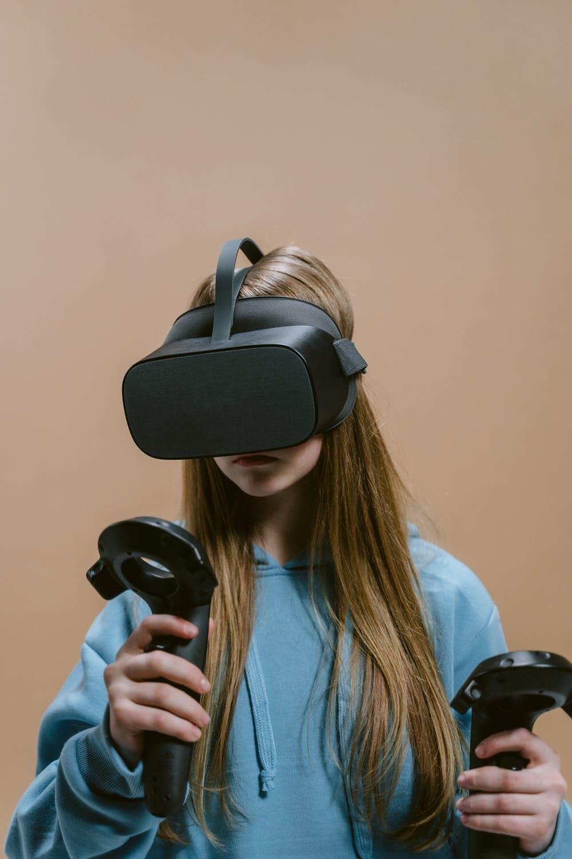Системой виртуальной реальности сначала пользовались пилоты и медики.
