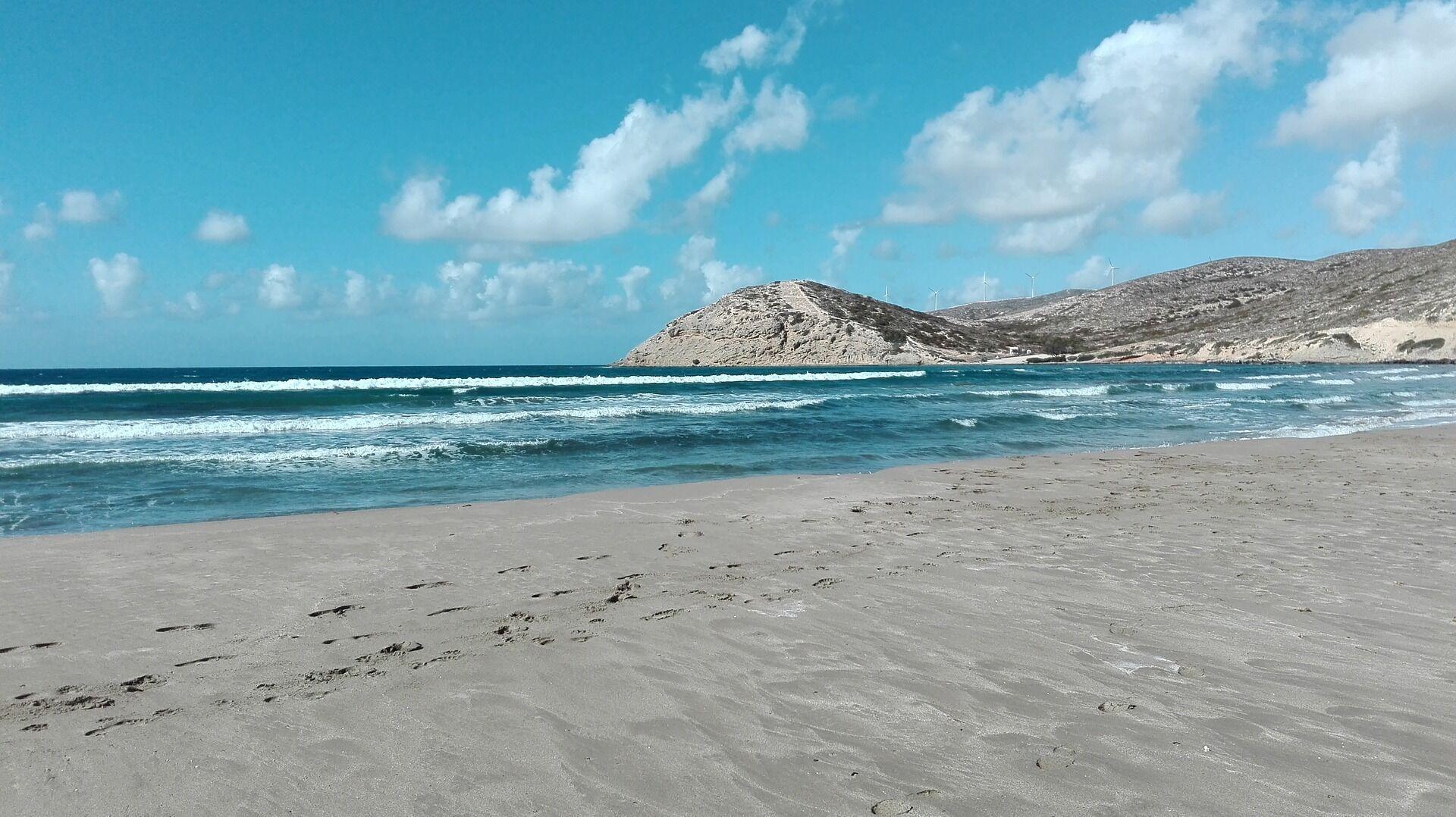 В сентябре стоит поехать отдыхать на пляжи Афинской Ривьеры