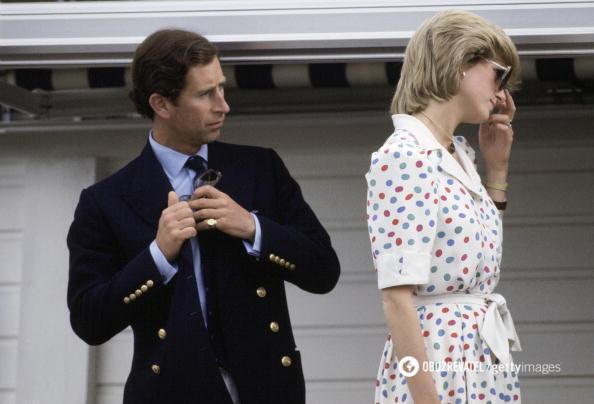 Принц Чарльз с супругой Дианой.