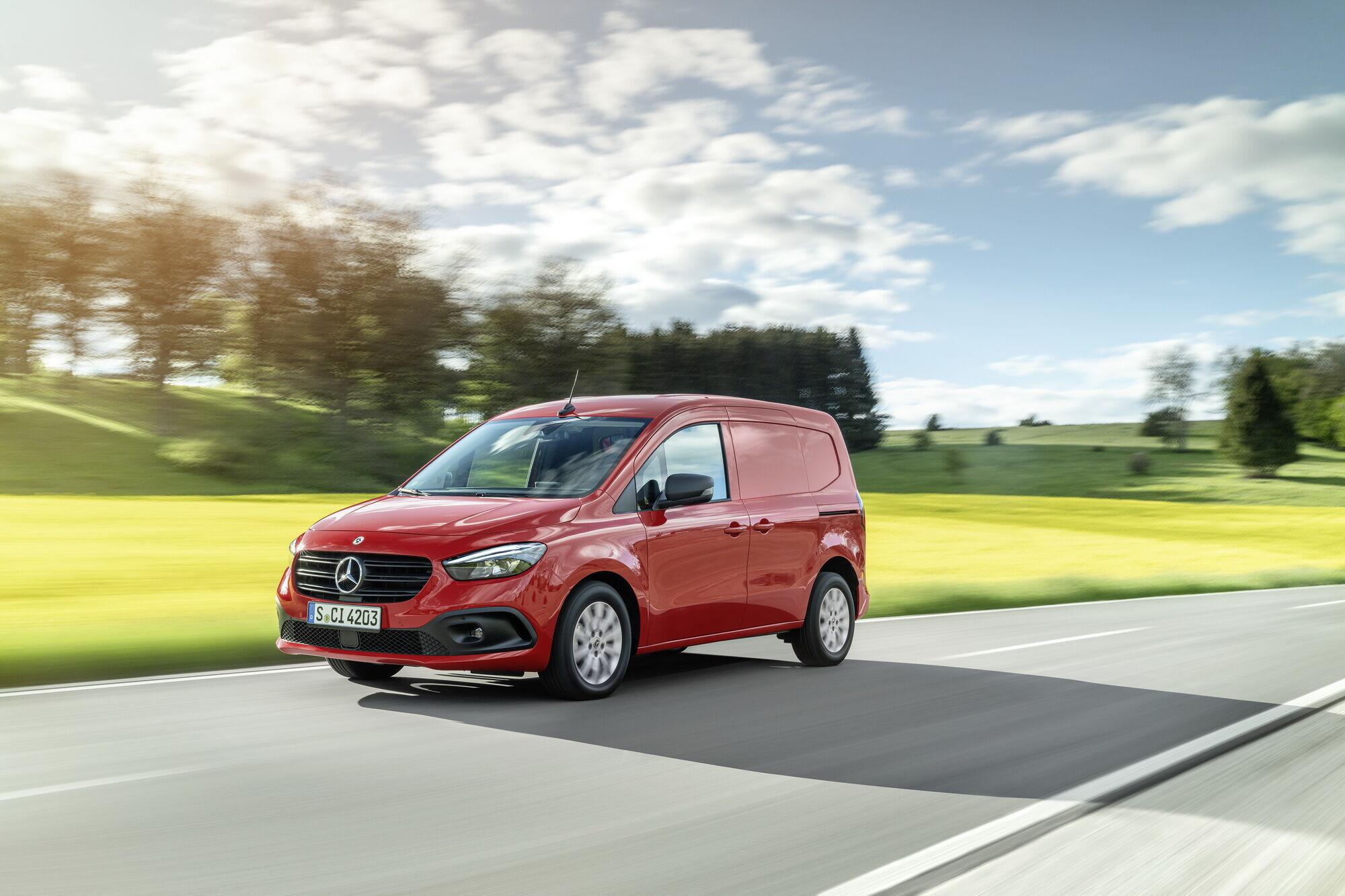 Дизайн екстер'єру та інтер'єру Mercedes-Benz значно змінилися