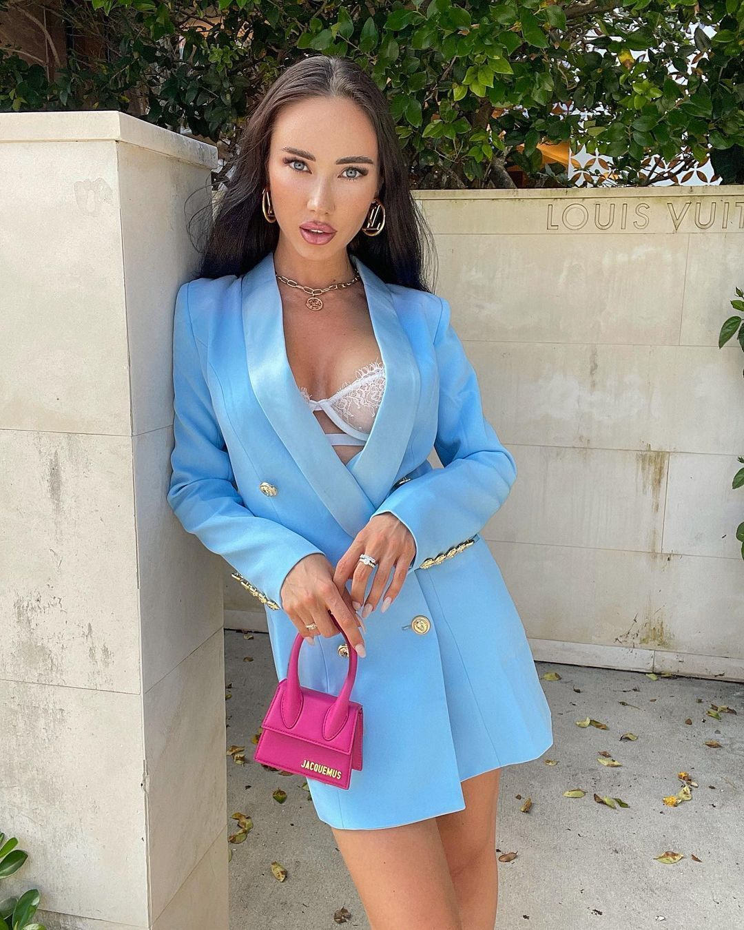 Нина Сереброва в синем пиджаке