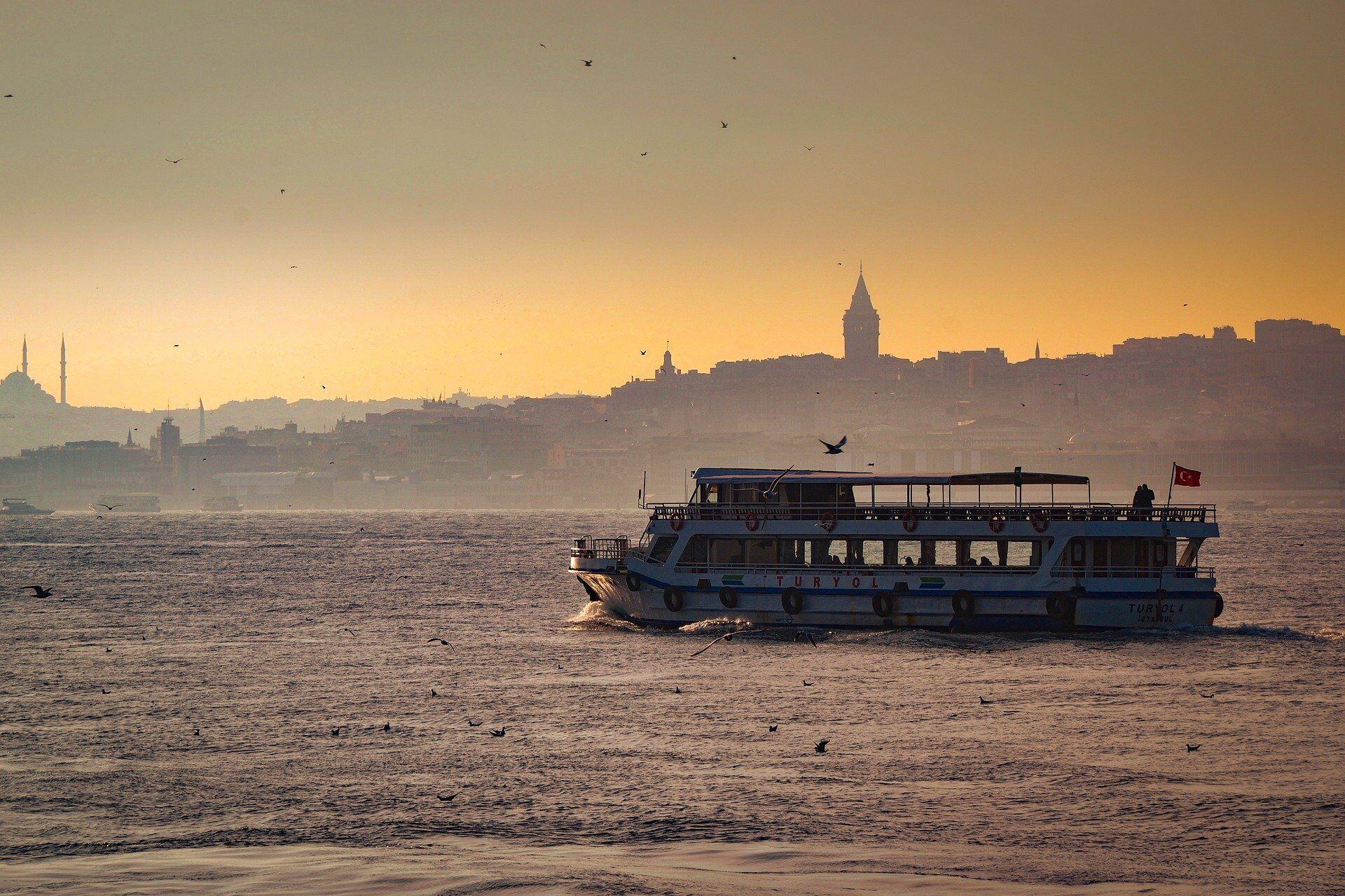 В октябре особыми красками заиграет Стамбул