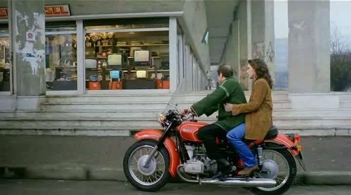 Челентано на мотоцикле Днепр-10-36.