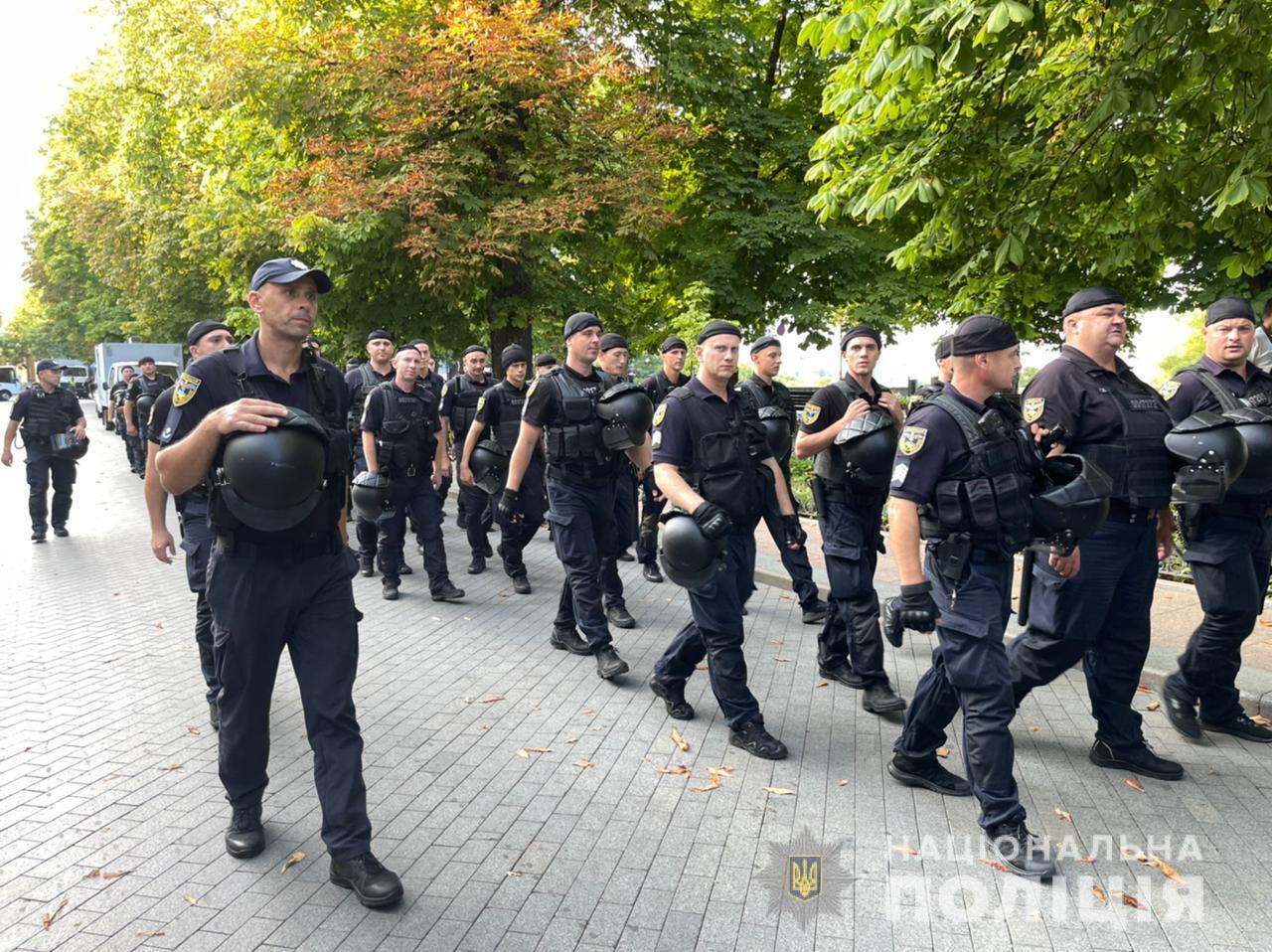 У центрі міста загалом чергувало понад 1100 правоохоронців