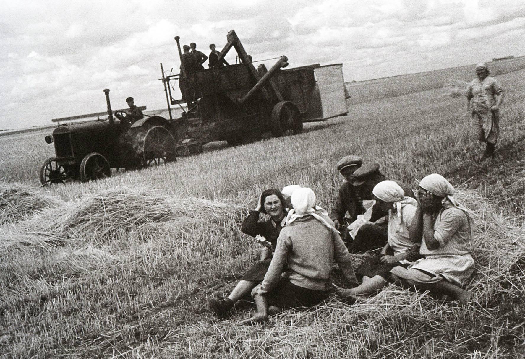До 1974 года жители сел в СССР не имели права на паспорт
