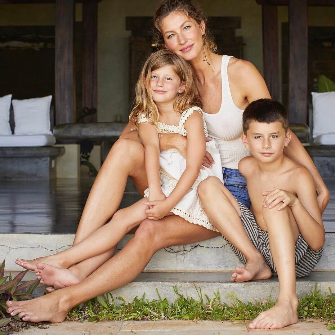 Жизель Бюндхен і футболіст Том Бреді виховують двох дітей