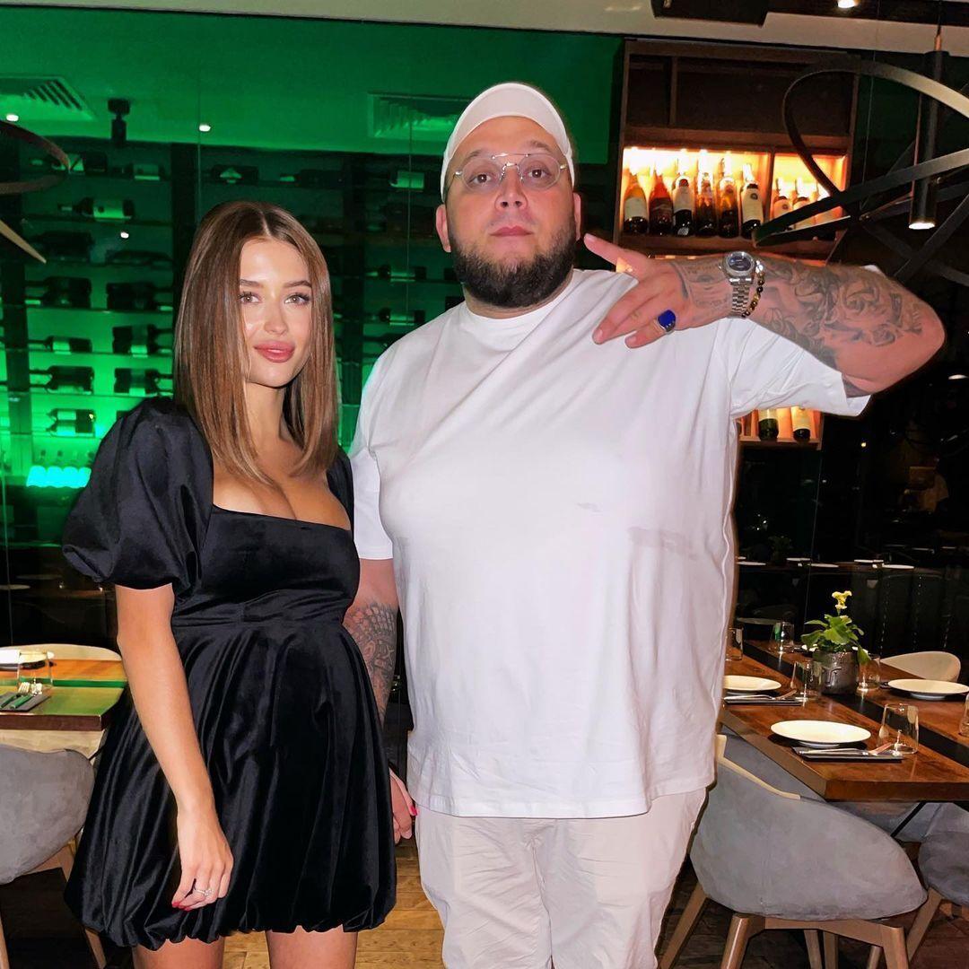 Kyivstoner зі своєю коханою.