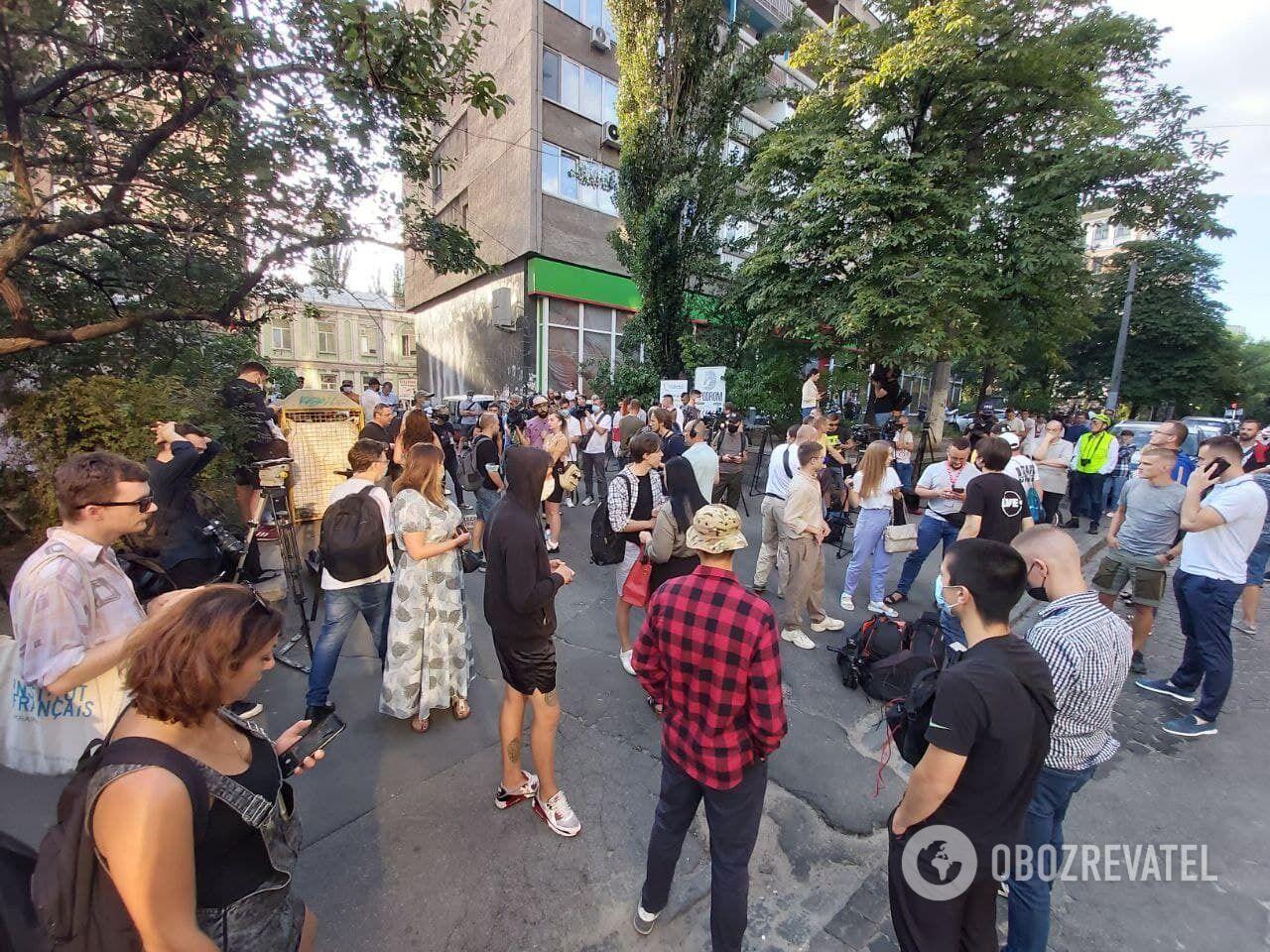 Учасники акції під посольством Білорусі в Києві.