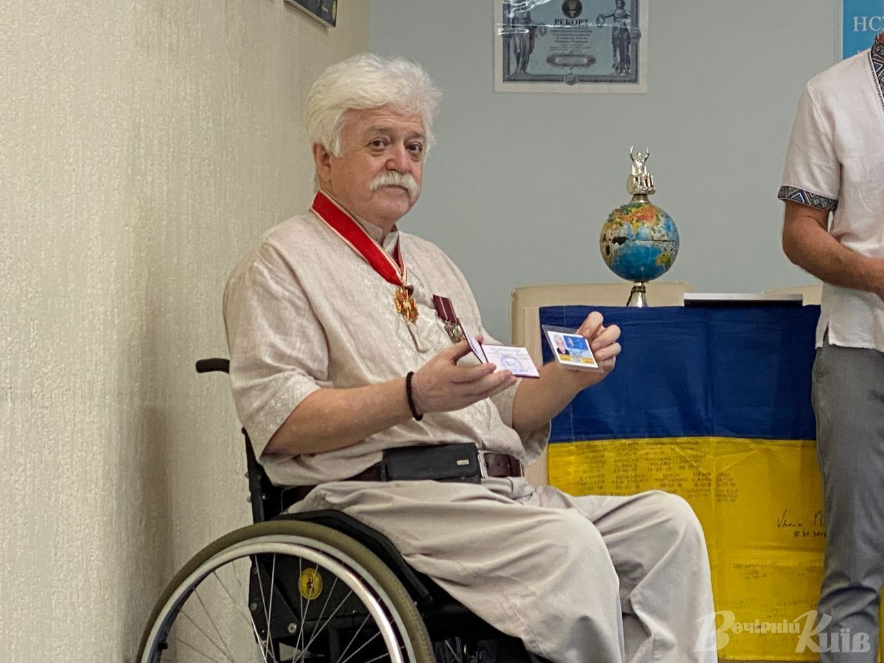 68-летний Николай Подрезан в инвалидной коляске посетил 70 стран.