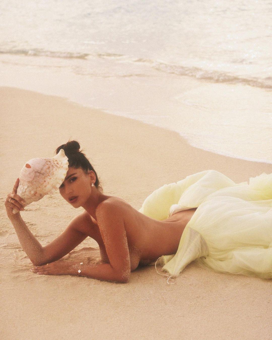 Наталья Барулич на пляже