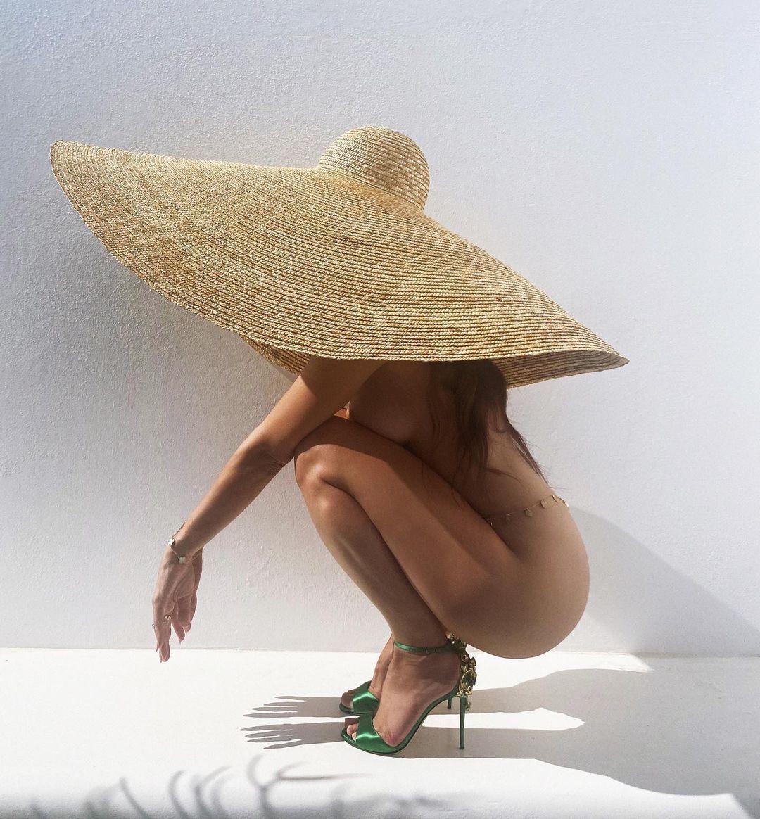 Наталья Барулич поразила фотосессией в стиле ню