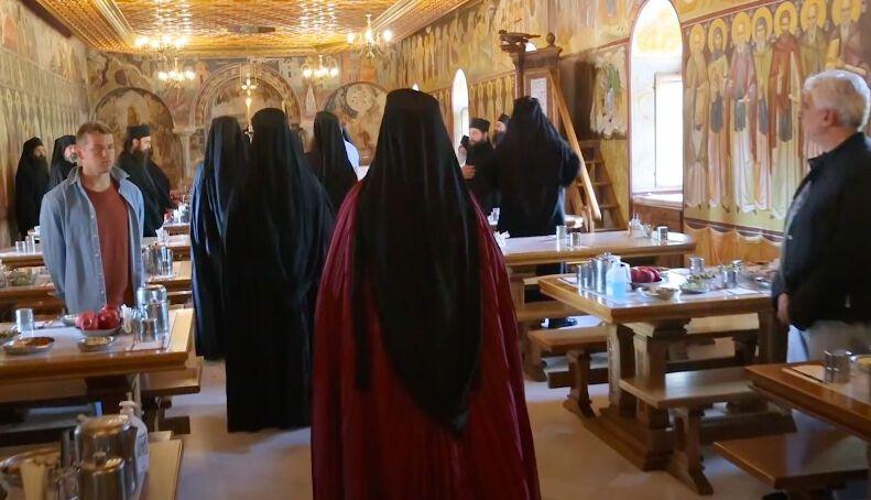 Свои келии монахи никому не показывают