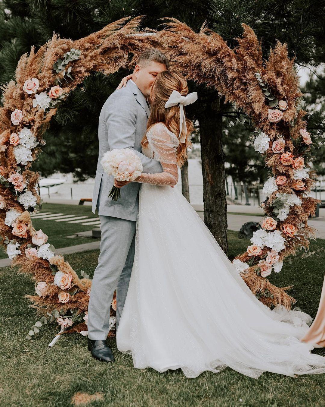 Зинченко и Соколюк показали фото с пышной свадьбы