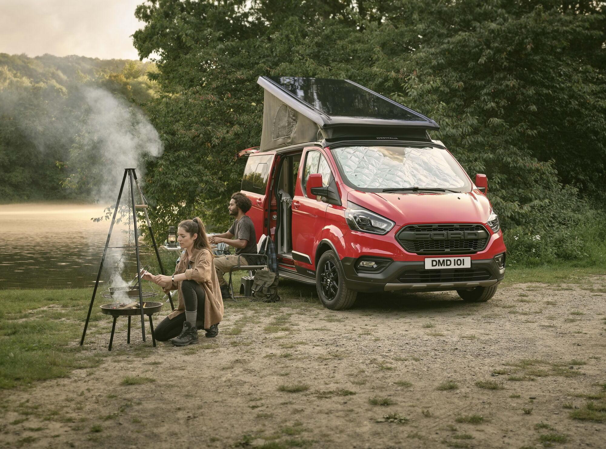 Компанія Ford підготувала для європейських любителів подорожей будинок на колесах на базі популярної моделі Transit