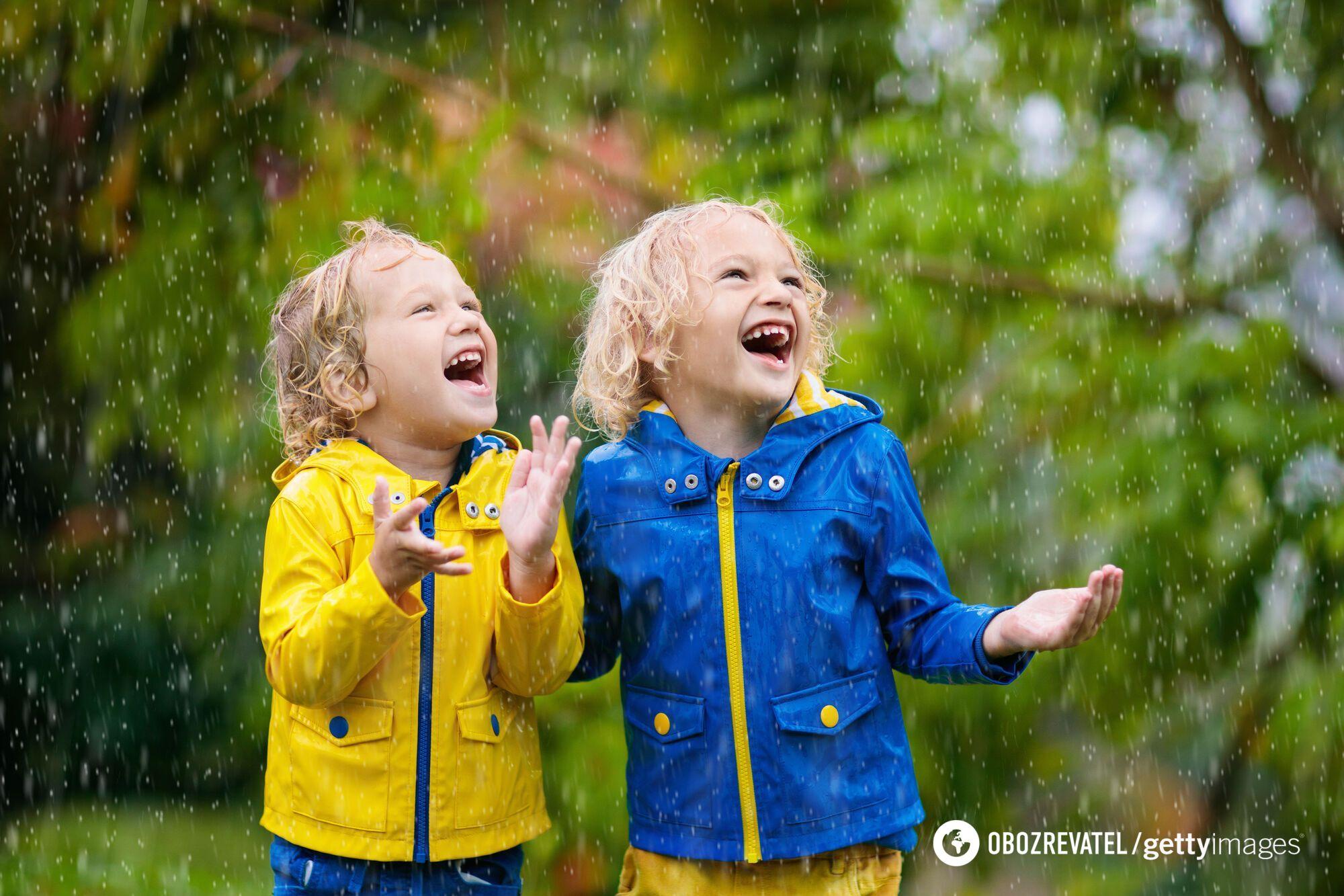 В Україну йдуть холод і дощі.