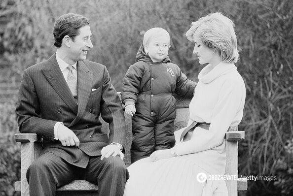 Принц Чарльз и принцесса Диана с сыном Уильямом.