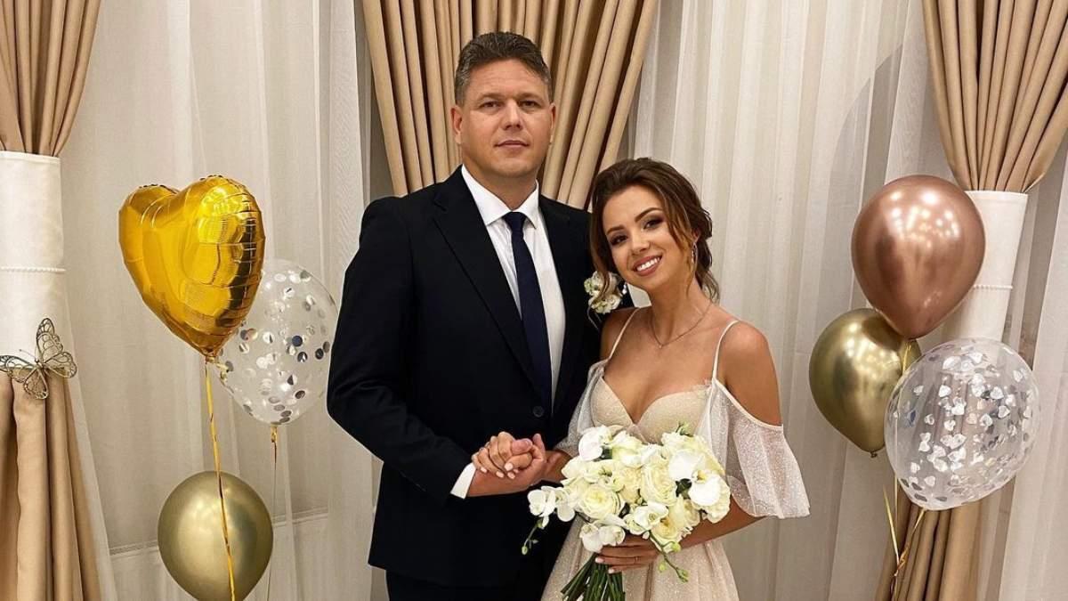 Офіційно пара одружилася 20 лютого 2021 року