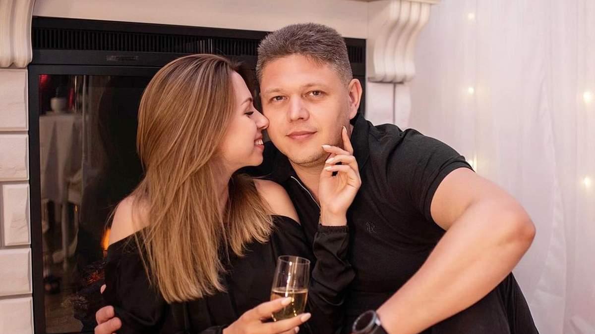 Соколюк старший за свою обраницю на 20 років