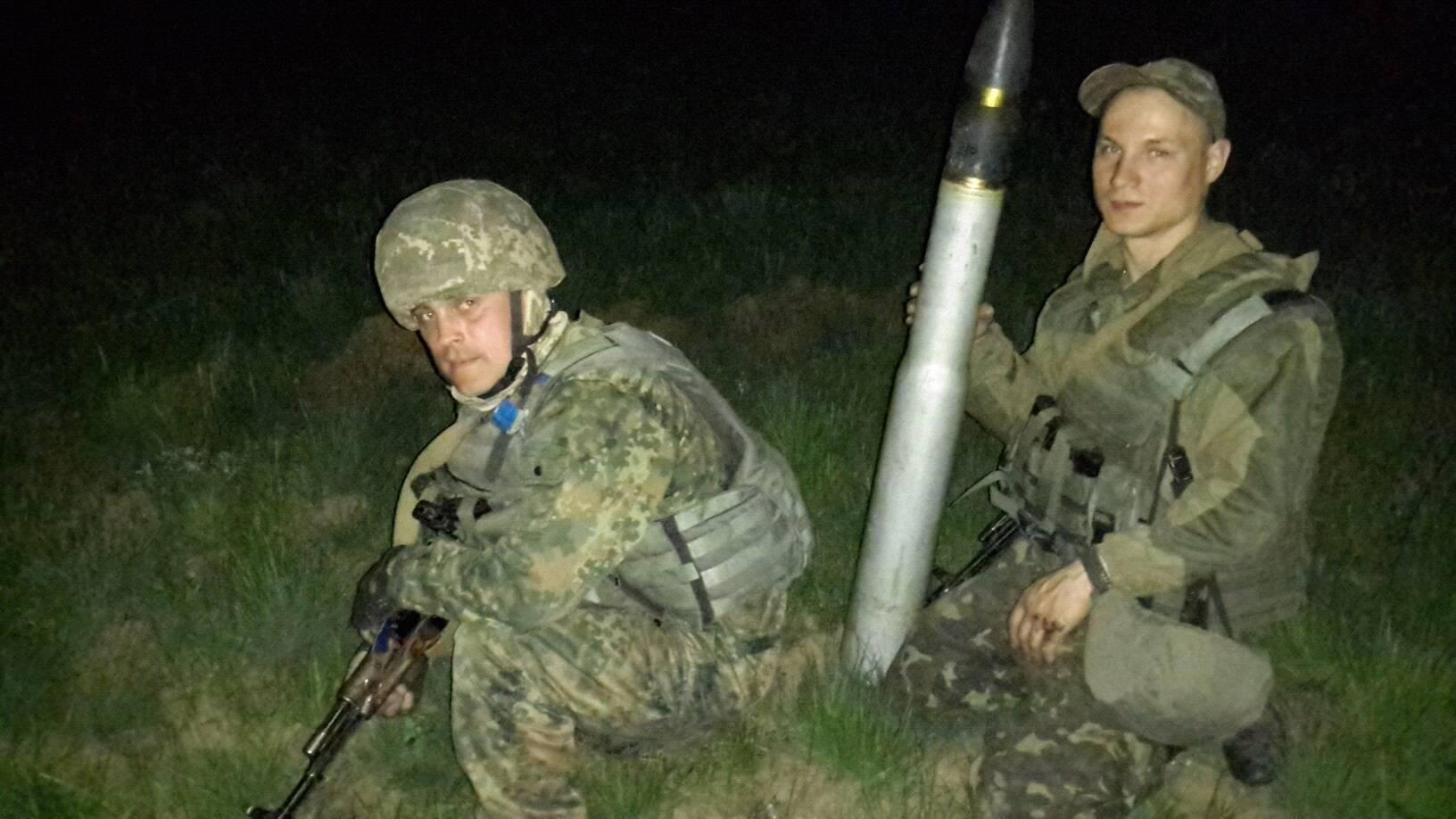 Андрей Выскребец слева