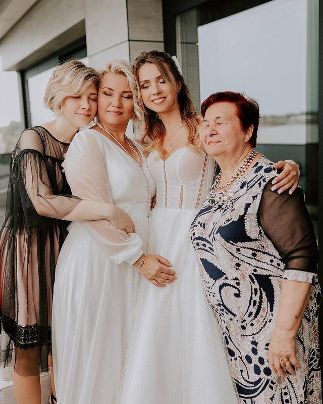 Анастасия с семьей.