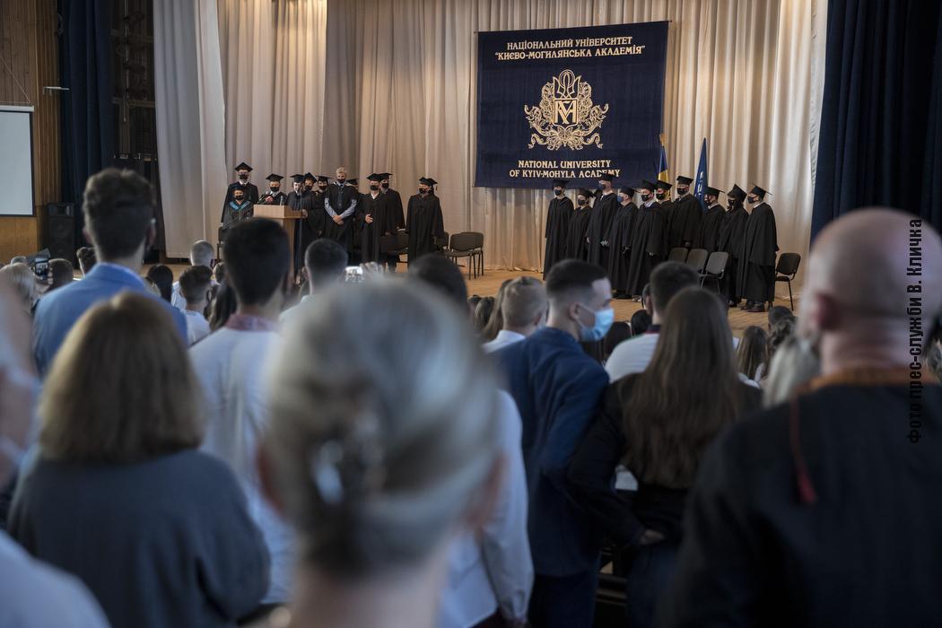 Мэр посоветовал студентам настойчиво работать и не опускать рук