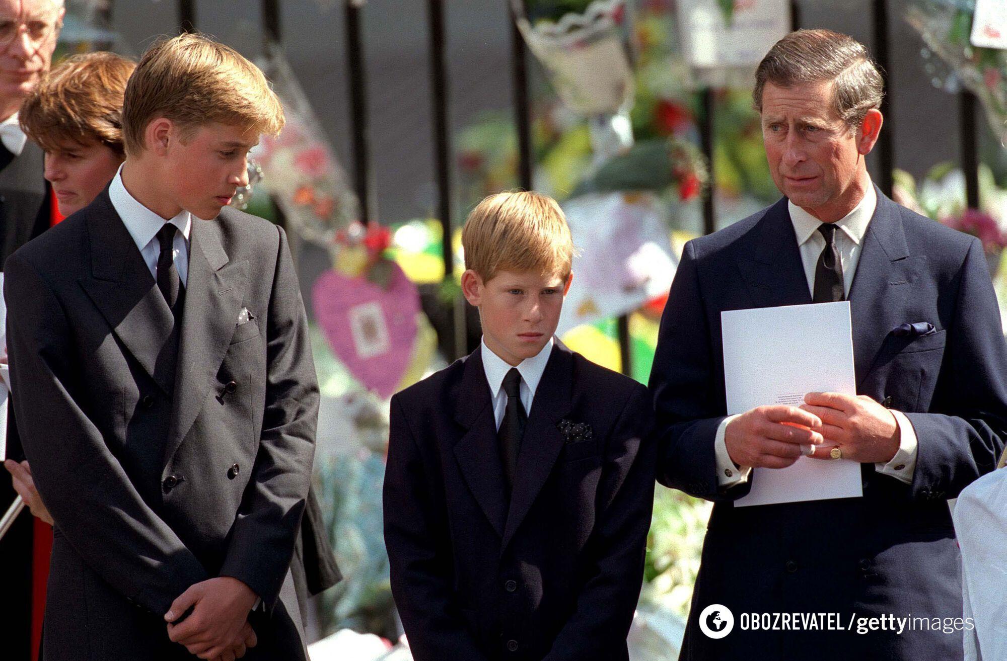 Принц Чарльз та його діти Гаррі та Вільям